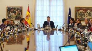 Pedro Sánches preside la primera reunión del Consejo de Ministros del nuevo Gobierno.
