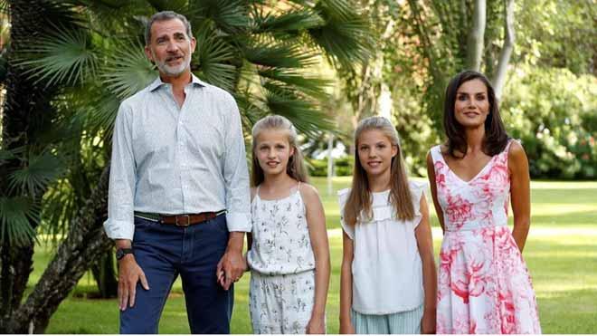 Així ha sigut la foto dels Reis i les seves filles a Palma