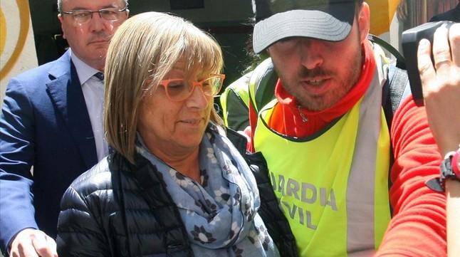La primera teniente de alcalde de Reus, Teresa Gomis, tras ser puesta en libertad.
