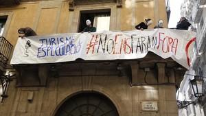 Protesta contra los pisos turísticos ilegales en el Born.
