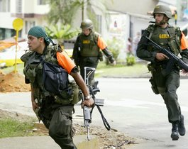 Desde mayo pasado ante la violencia desatada en Medellín al menos 120 miembros del Ejército llegaron a la zona para realizar patrullajes conjuntos con la Policía.