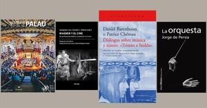 Varios libros de la minibiblioteca de Sant Jordi.