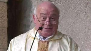 El sacerdote Fernando Fueyo, capellán del Sporting de Gijón e íntimo amigo de Quini.