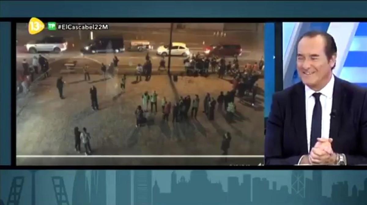 Imagen del programa de 13TV El cascabel en el que su presentador, Antonio Jimenez,minusvalora el atentado en Manchester.