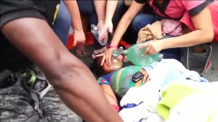 Labores de rescate en las zonas afectadas por el terremoto de Ecuador.