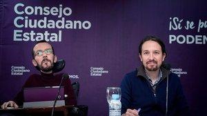 El secretario general de Podemos,Pablo Iglesias,junto al secretario de Organización,Pablo Echenique,durante la reunion de urgencia del Consejo Ciudadano Estatal del partido