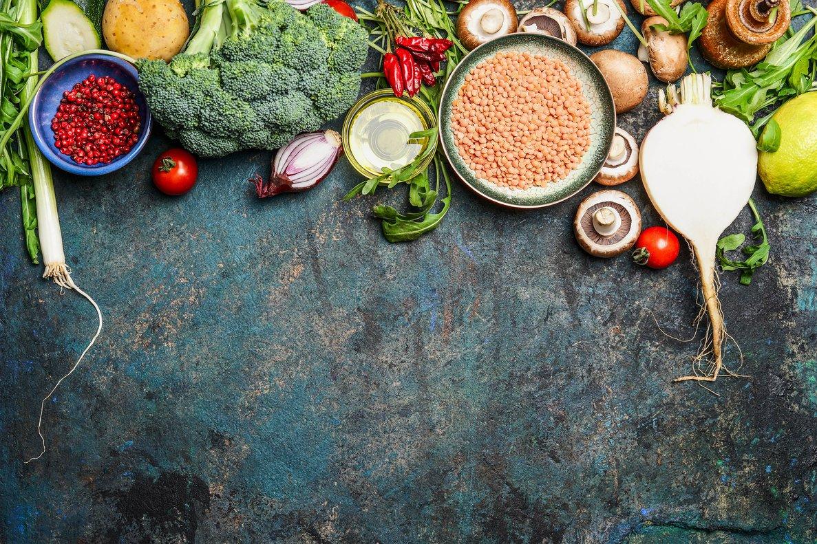 Variedad de alimentos para una dieta vegana.