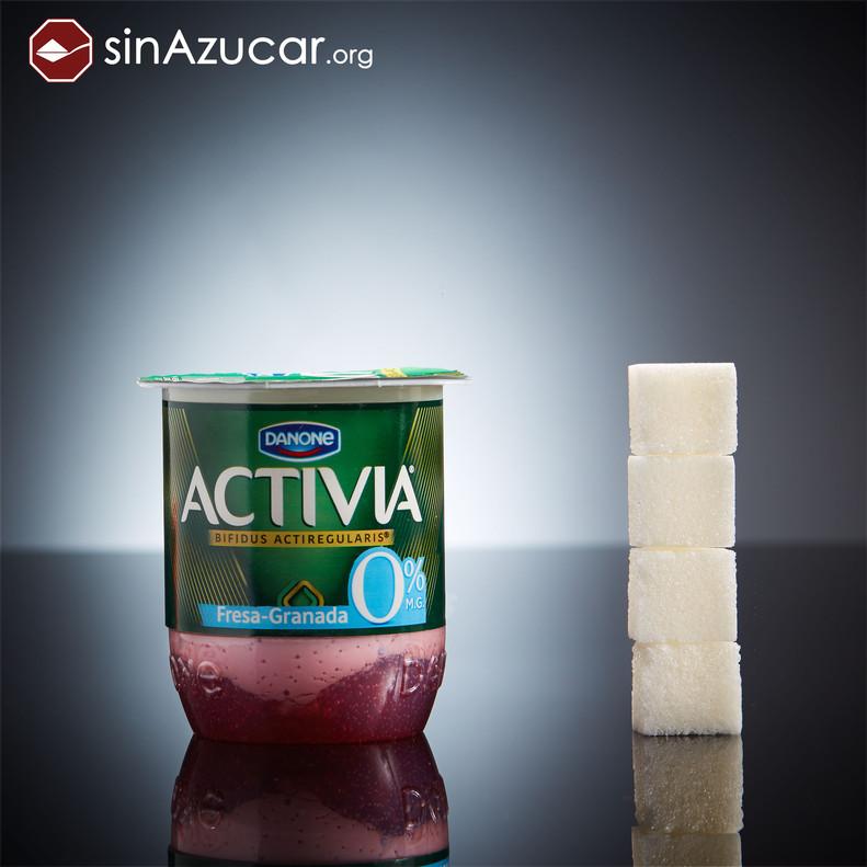 Un yogur Activia 0% de Fresa Granada tiene 16gr de azúcar (4 terrones).