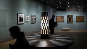 Sala del CCCb donde se expone La luz negra.
