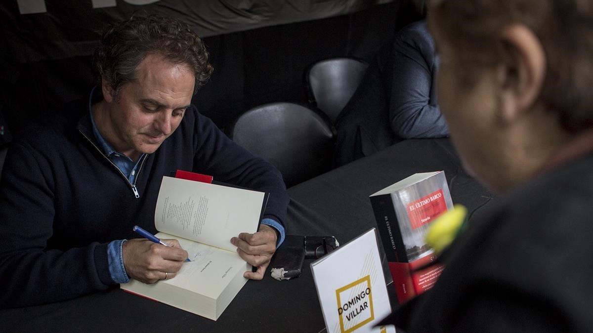 Domingo Villar: deu anys d'escriptura que el lector devora en tres dies