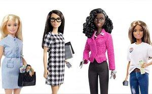 La Barbie candidata y su equipo electoral.