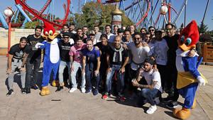Els jugadors del Barça, a Port Aventura.