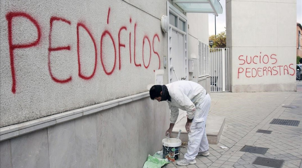 zentauroepp27966544 gra117 granada 26 11 2014 un pintor comienza a repasar co170907153302