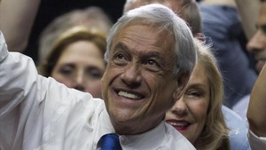 Piñera, en un acto de cierre de campaña, en Santiago de Chile, el 14 de diciembre.