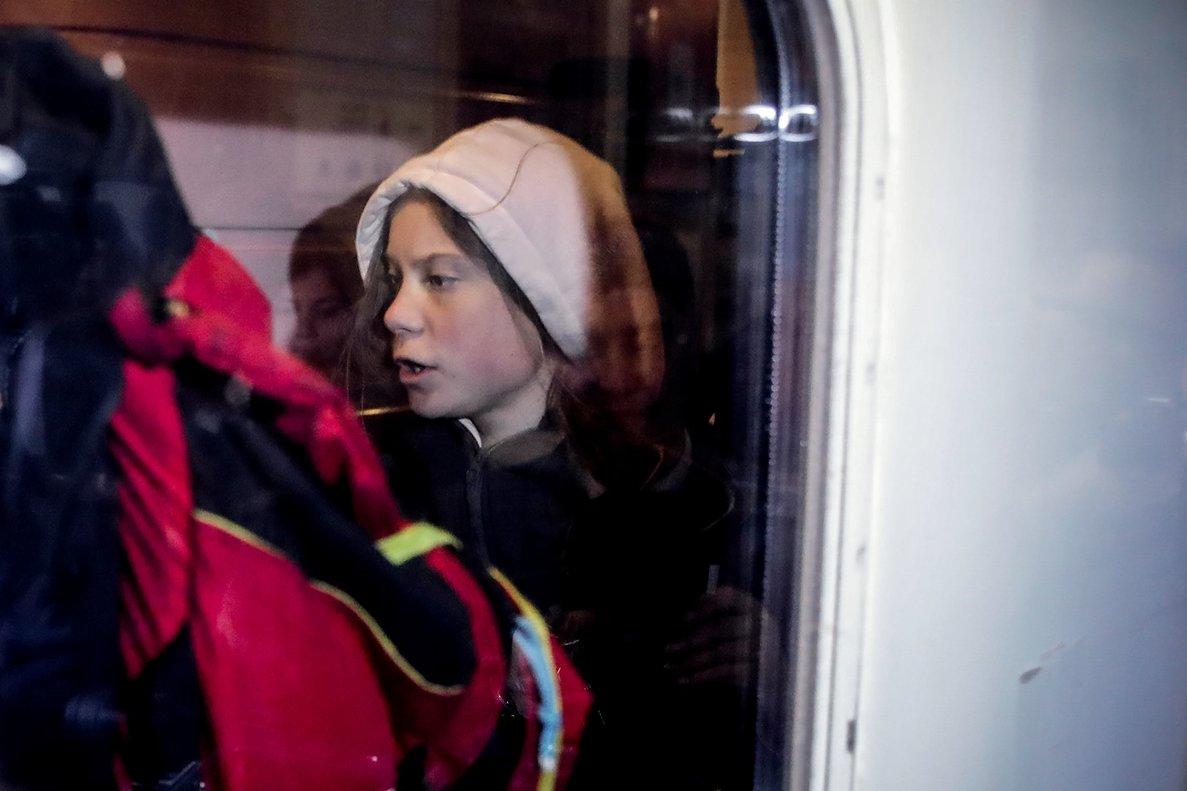 Greta Thunberg, saliendo de Lisboa.