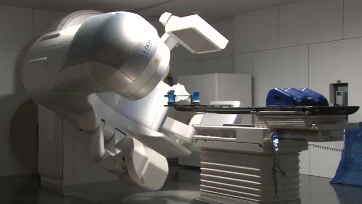 Acelerador linealla ultima tecnologia en radioterapia contra el cancer.