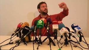 Albano Dante Fachin, en la rueda de prensa en la que anunciósu dimisión como secretario general de Podem.