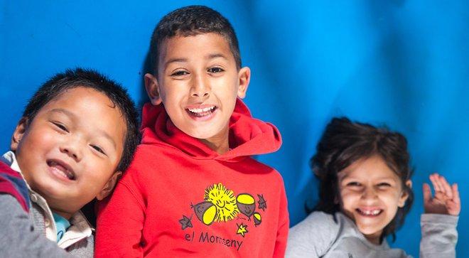 Algunos de los niños del centro abierto CiberCaixa Badalona Sud.