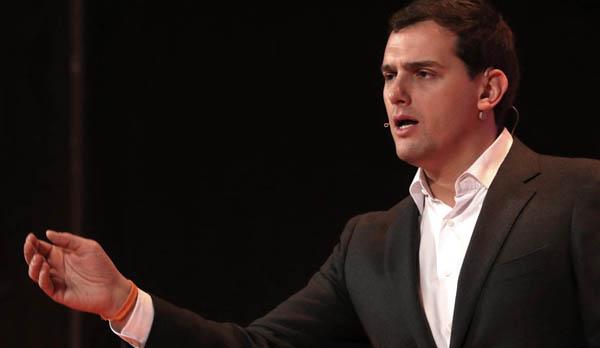 Rivera sobre su nuevo modelo laboral: Si no quieren que lo saquemos desde la oposición, nos obligarán a gobernar España.