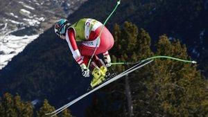El austriacoVincent Kriechmayr desciende por la pista de LÀliga, en el Tarter, en un entrenamiento del descenso.