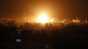 Bombardeo israelí sobre la franja de Gaza el 27 de marzo.
