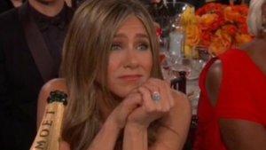 La cara de Jennifer Aniston durante el discurso de Brad Pitt en los Globos de Oro se ha hecho viral.