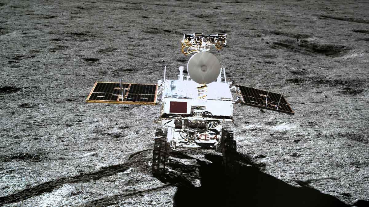 La sonda china Chang'e-4 ha tomado fotos panorámicas en la superficie lunar .