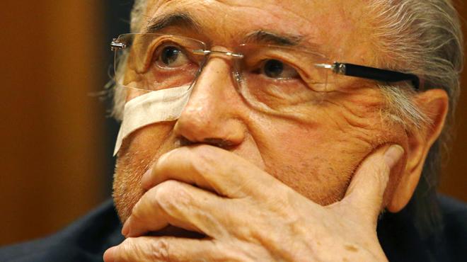 La FIFA echa a Platini y Blatter durante ocho años