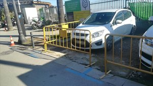 El dia que no em van deixar aparcar davant d'un restaurant del carrer Miramar