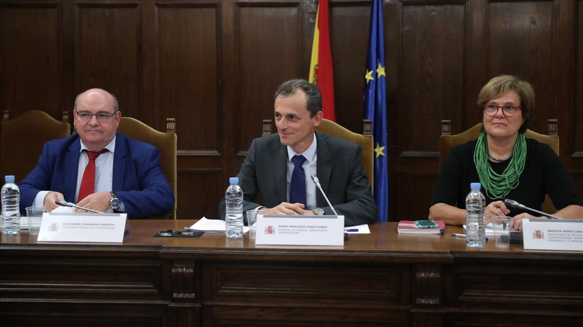 Pedro Duque i els rectors consideren «condemnable» el cas dels màsters