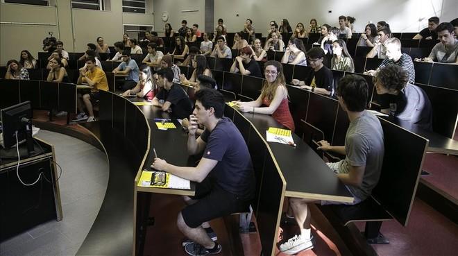 Exámenes de selectividaden la Universitat Pompeu Fabra (UPF) de Barcelona.