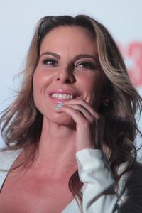 Kate del Castillo posando durante la presentación de la película Los 33