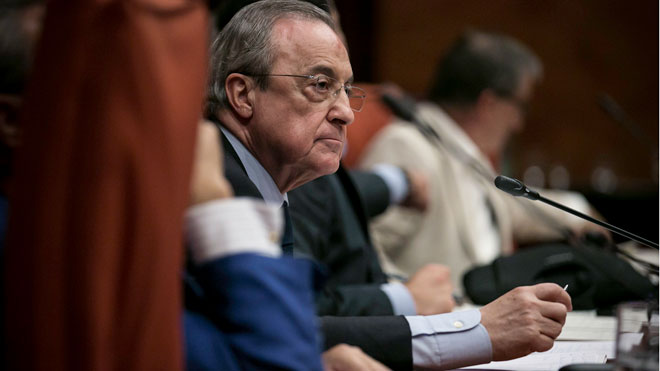 """Florentino Pérez diu que ha """"perdut diners"""" amb el Castor"""