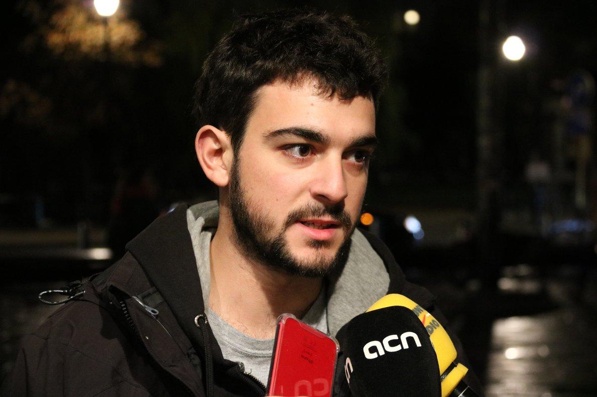 Adrià Carrasco descarta tornar de Bèlgica fins que es retirin tots els càrrecs i mesures cautelars