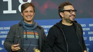 Gael García Bernal y Alonso Ruizpalacios, en el estreno de 'Museo' en la Berlinale