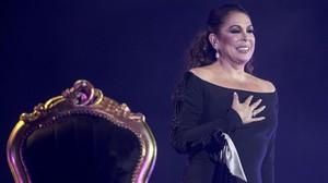 Isabel Pantoja, en el concierto que ofreció en el Palau Sant Jordi en febrero.