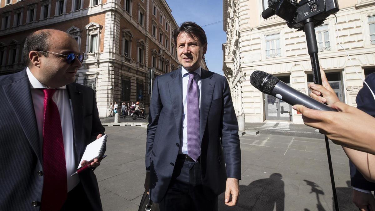 El jurista Giuseppe Conte, ebcargadode formar Gobierno en Italia.