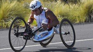 El italiano Alex Zanardi, compitiendo en el Ironman de Kailua-Kona, en Hawaii.