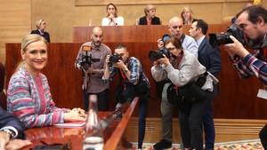 La presidenta de la Comunidad de Madrid, Cristina Cifuentes, este miércoles en el pleno de la Asamblea madrileña.