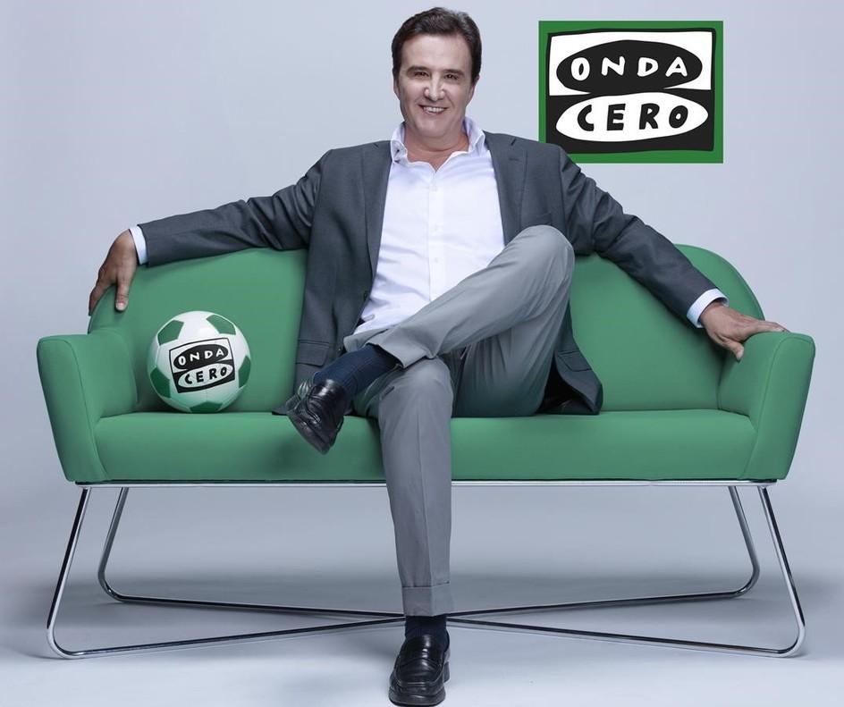 José Ramón de la Morena, en una imagen promocional de su nueva cadena radiofónica, OndaCero.