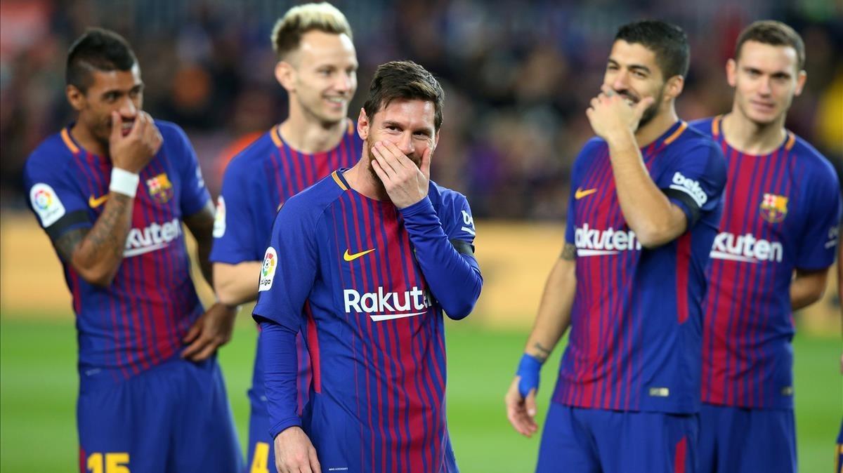 Los jugadores del Barça, disfrutando en el partido ante el Deportivo.