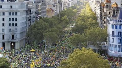 Manifestació de l'ANC i Òmnium Cultural des de Telefónica. ÁLVARO MONGE