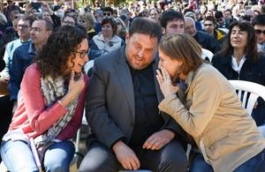 Marta Rovira, Oriol Junqueras y Carme Forcadella, este sábado, en la fiesta de ERC.