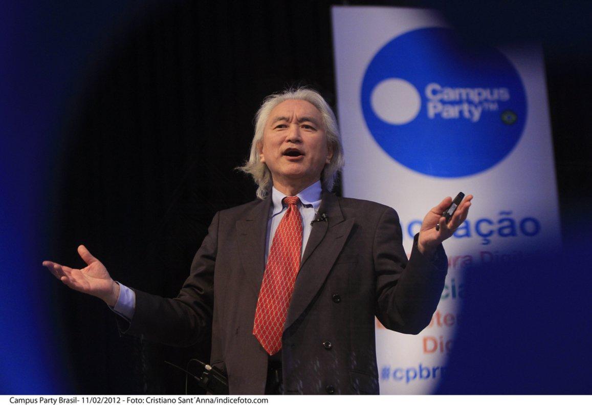 El divulgador científico Michio Kaku, durante una conferencia ofrecida en la Campus Party de Curaçao, Brasil.