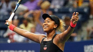 Naomi Osaka celebra su victoria sobre Madison Keys en semifinales del Abierto de EEUU.