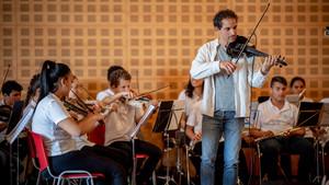 La orquesta de la Música del Reciclaje, en pleno concierto.