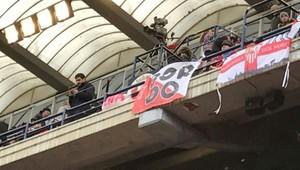 La pancarta con la que los Biris se acordaron del encarcelado.
