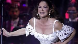 Isabel Pantoja, durante un concierto en Aranjuez.