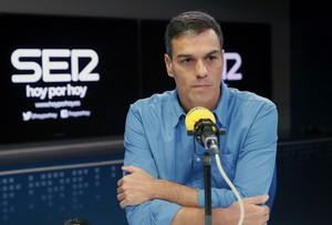 El secretario general del PSOE,Pedro Sánchez,durante la entrevista concedida esta manana en la Cadena Ser.