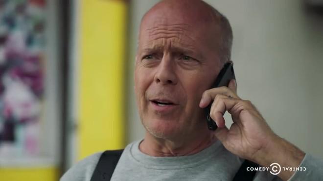 Bruce Willis, en el espot promocional de su Roast enel canal Comedy Central.